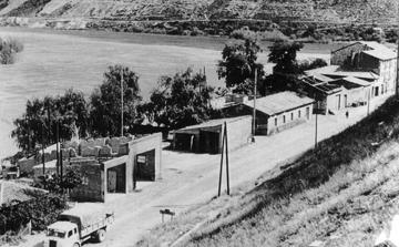 Sortien de la vila per la carretera de Lleida